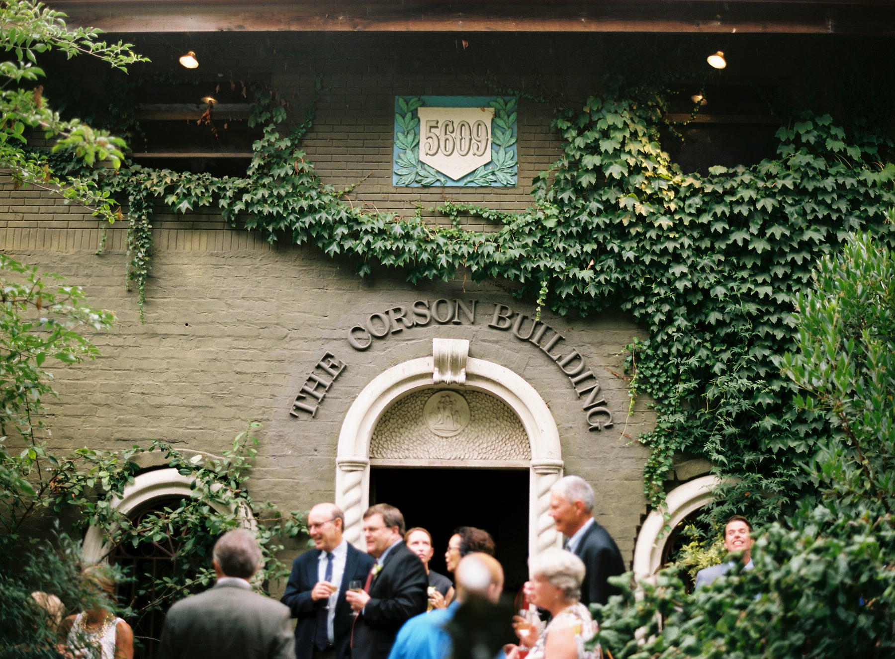193-outdoor-wedding-at-the-corson-building-in-georgetown-seattle.jpg