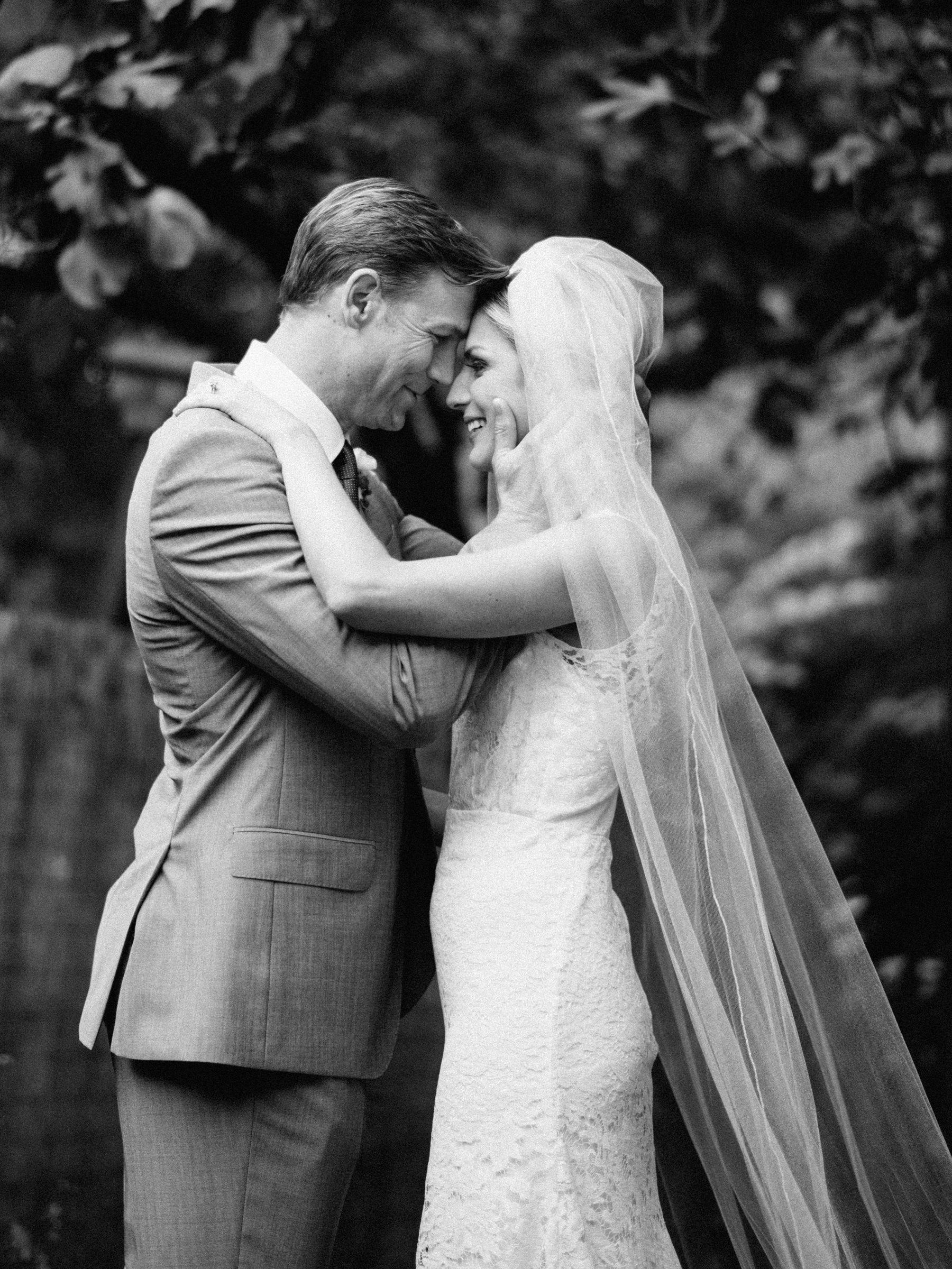 217-outdoor-wedding-ceremony-at-the-corson-building.jpg