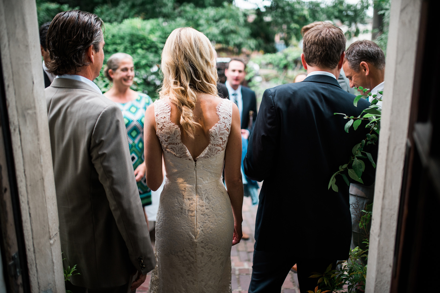 223-outdoor-wedding-at-the-corson-building-in-seattle.jpg