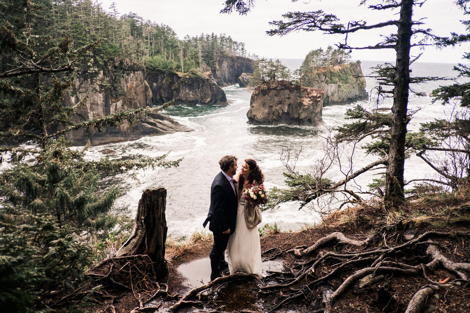 167-cloudy-pnw-elopement-on-film-at-cape-flattery-in-washington.jpg