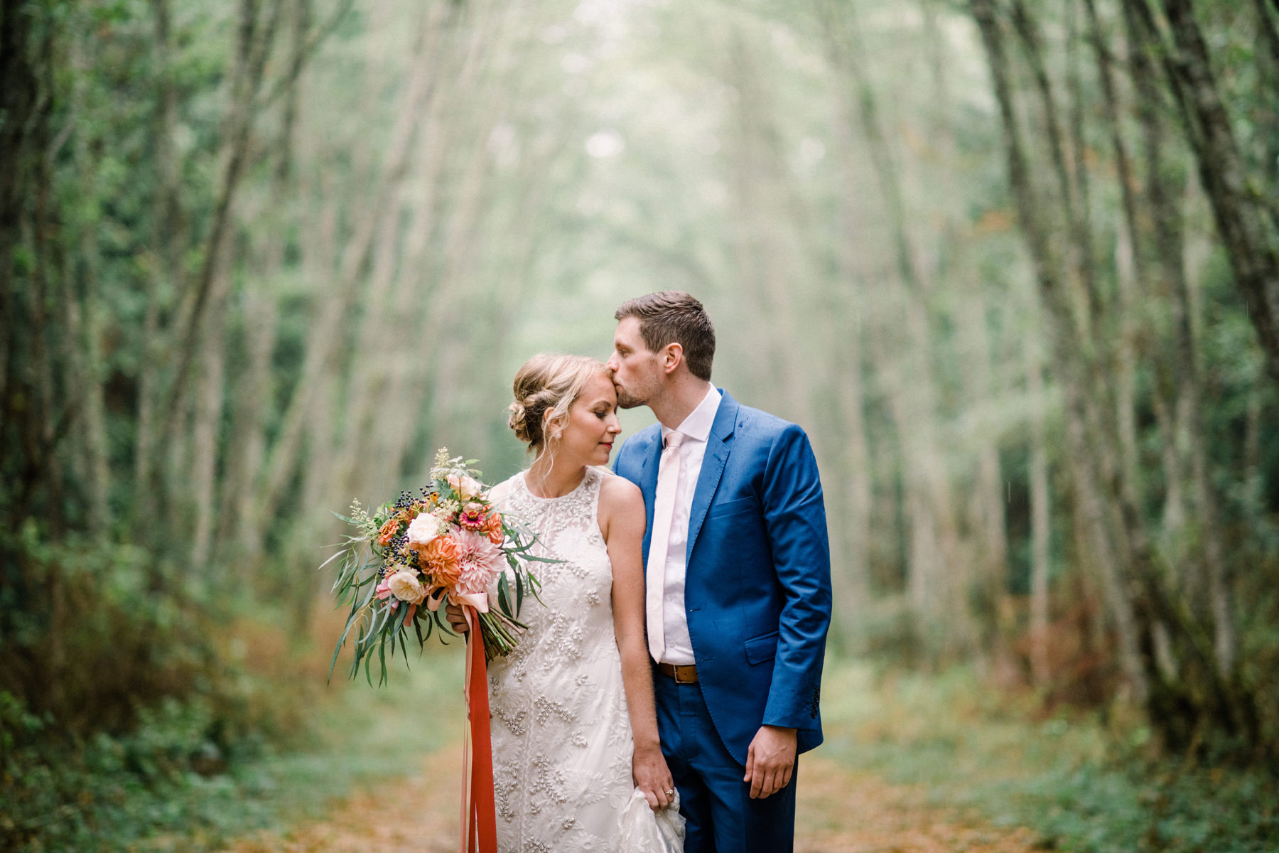 295-colorful-outdoor-lopez-island-wedding.jpg