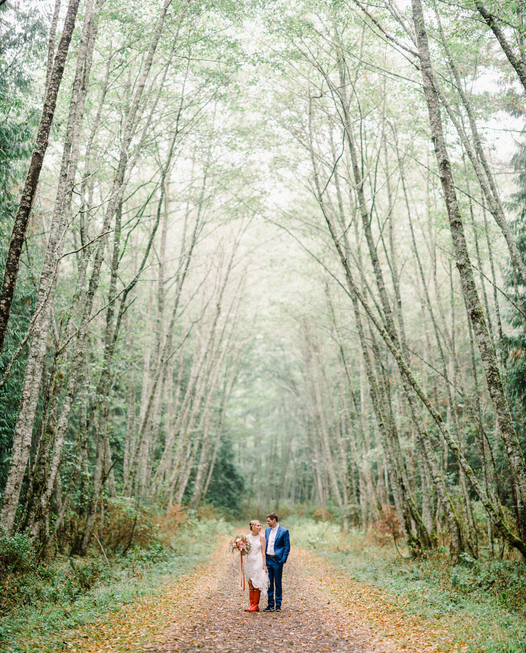 296-colorful-outdoor-lopez-island-wedding.jpg