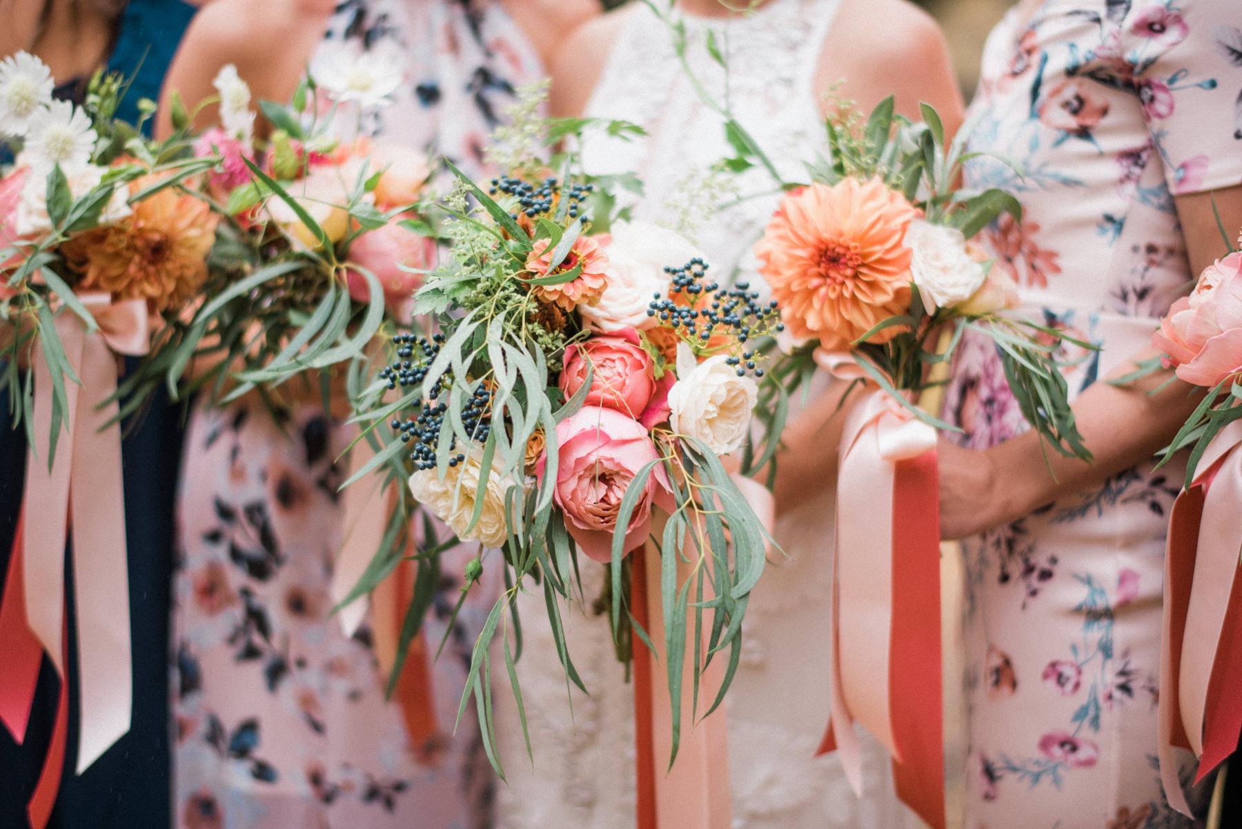 303-colorful-outdoor-lopez-island-wedding.jpg