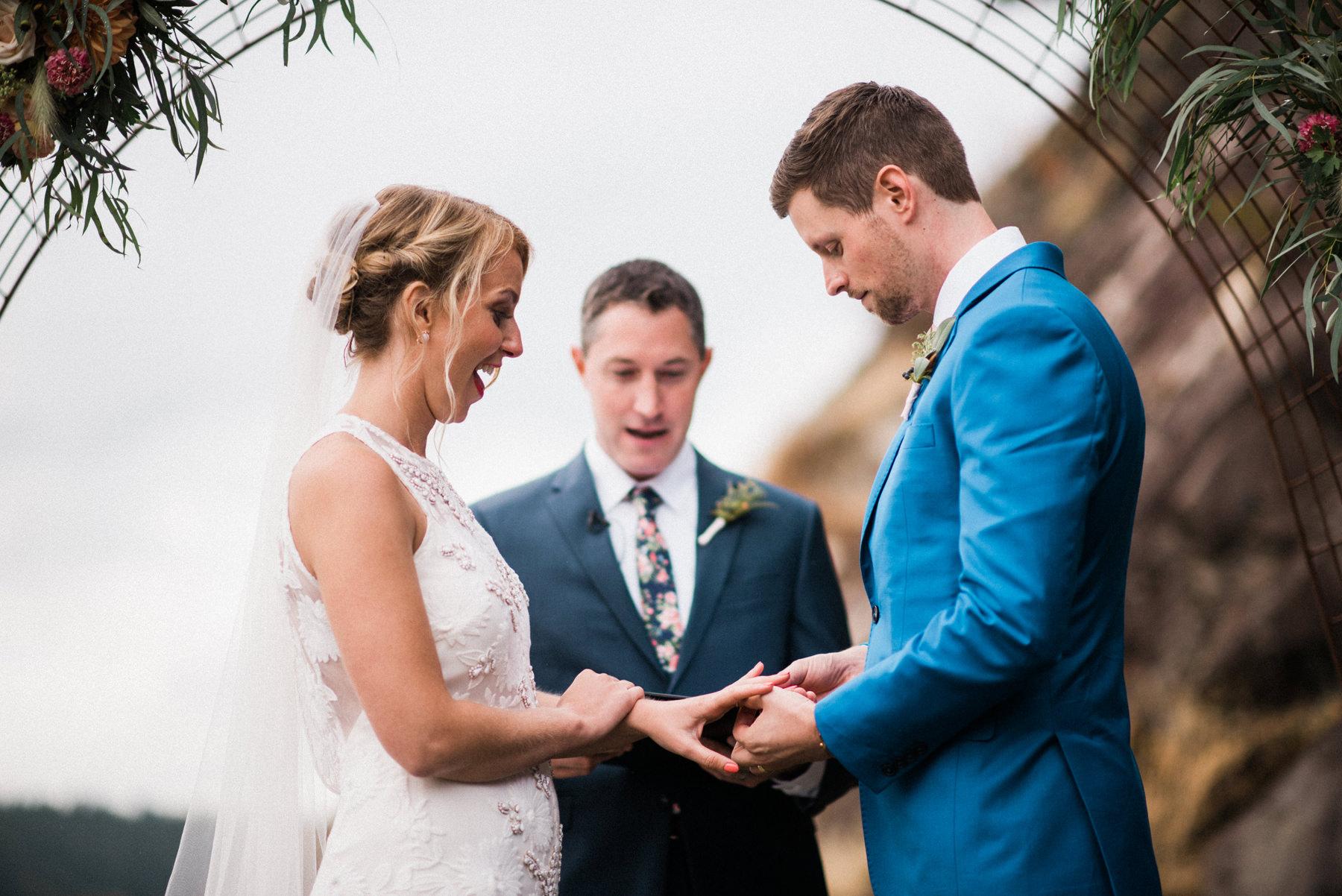 330-colorful-outdoor-lopez-island-wedding.jpg