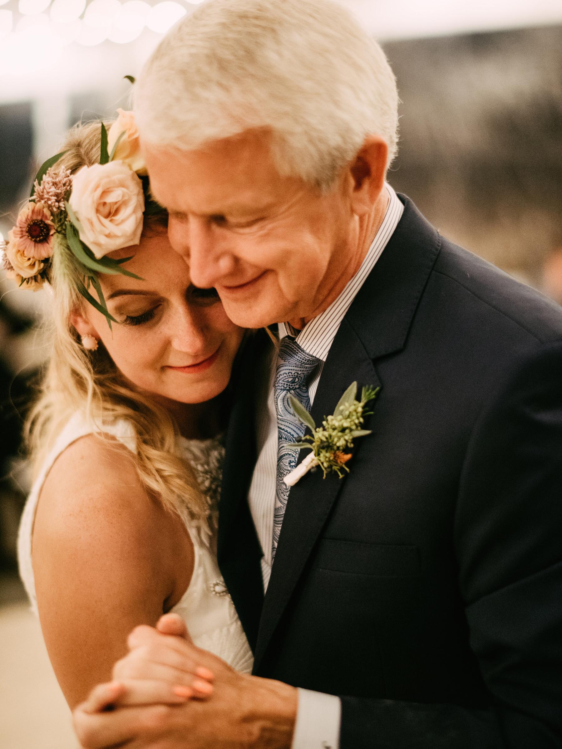 397-colorful-outdoor-lopez-island-wedding.jpg