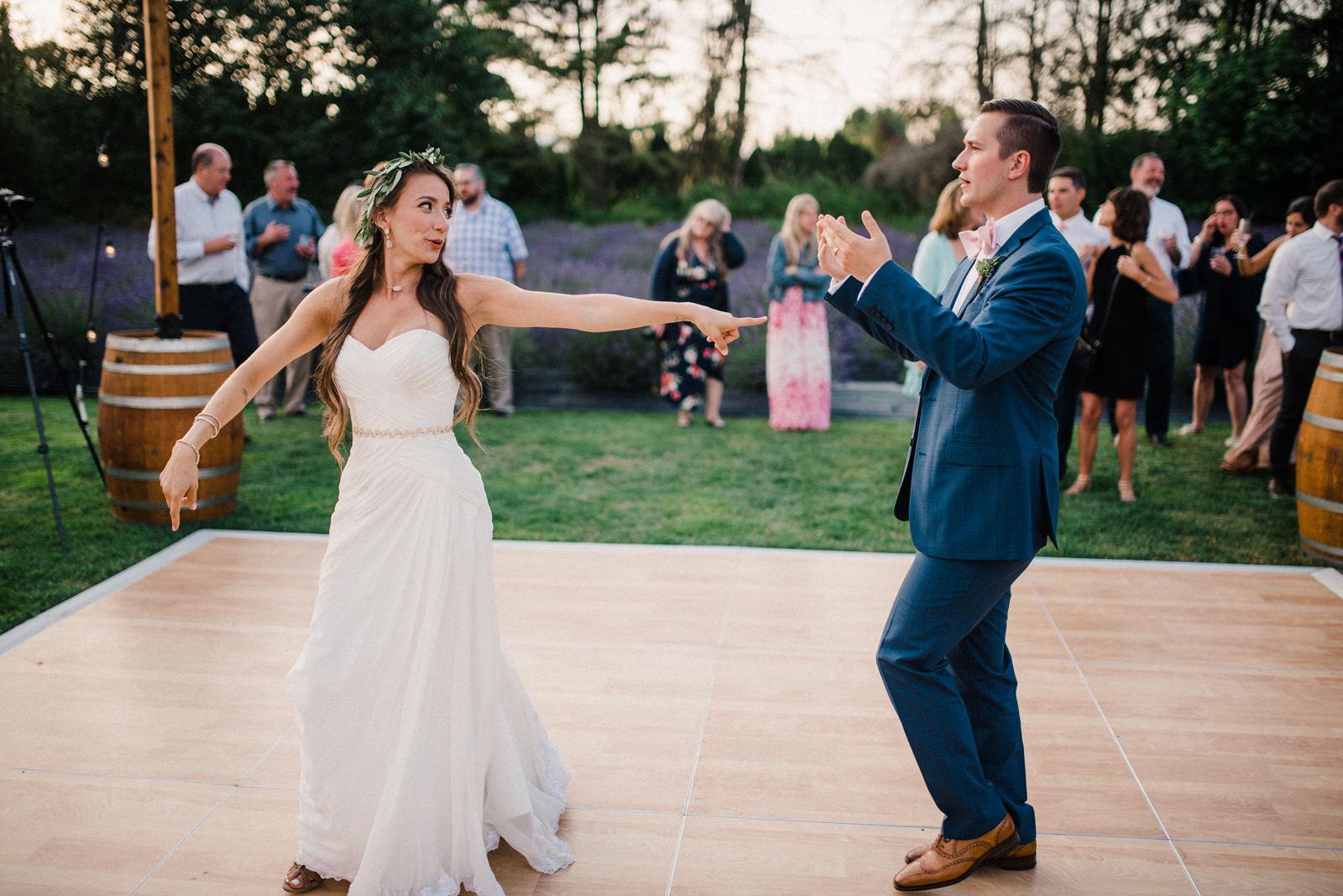 090-woodinville-lavendar-farm-wedding-with-golden-glowy-photos.jpg