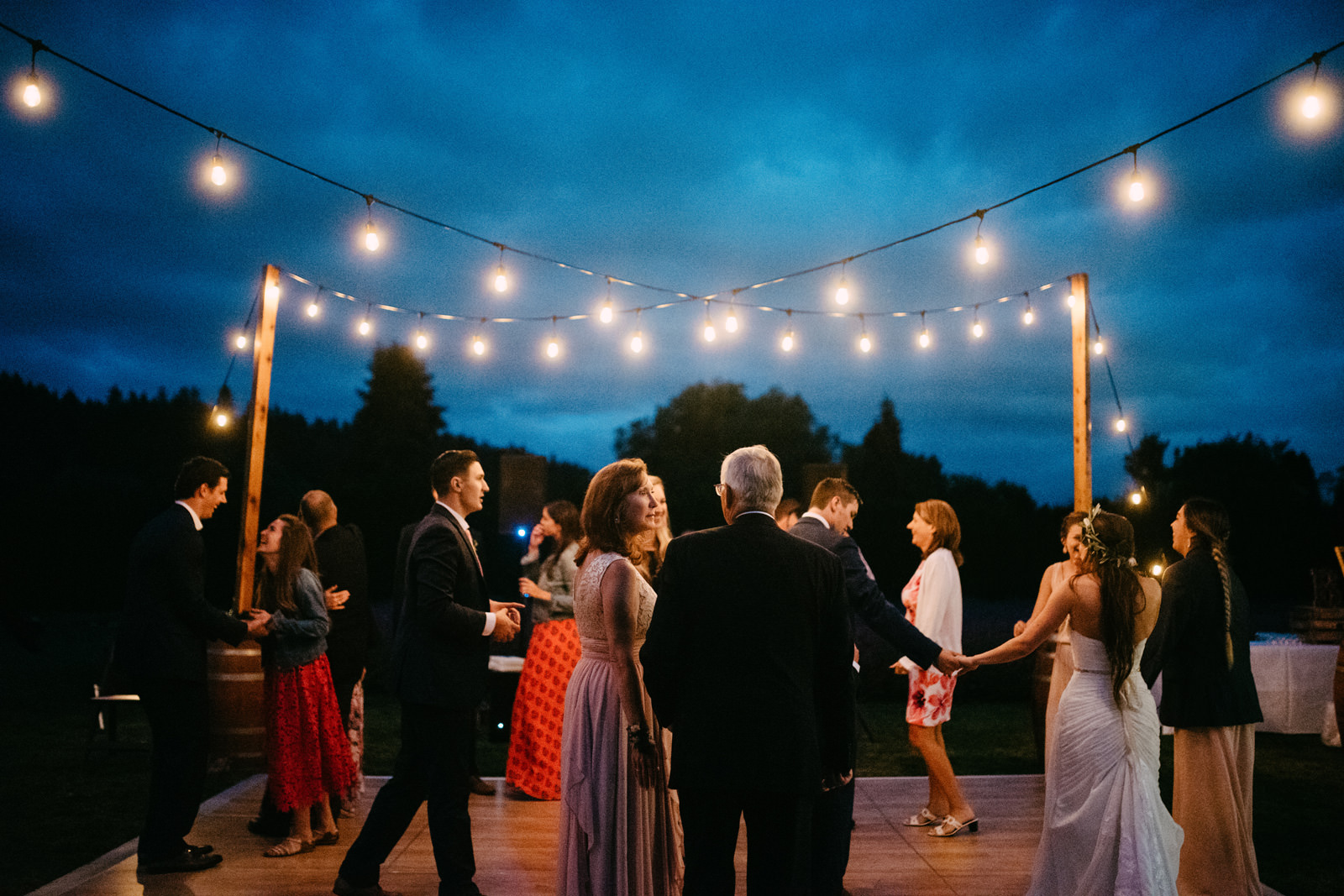 111-woodinville-lavendar-farm-wedding-with-golden-glowy-photos.jpg