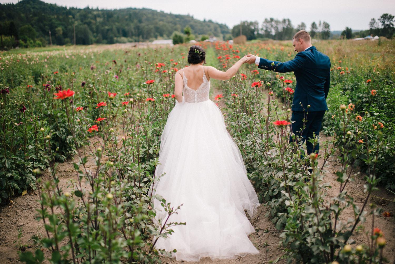 118-woodland-farm-meadow-wedding-by-best-seattle-film-photographer.jpg