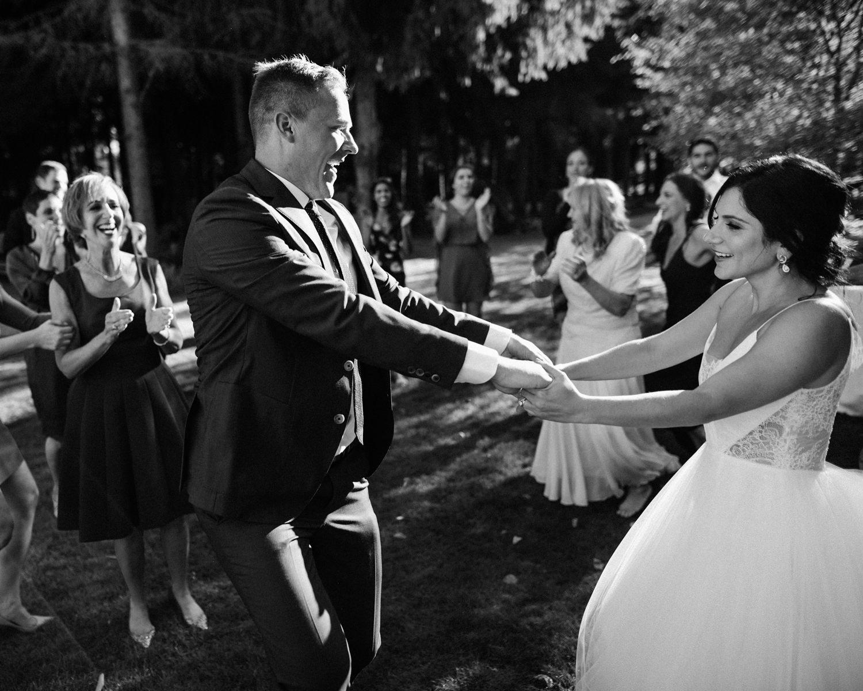 164-woodland-farm-meadow-wedding-by-best-seattle-film-photographer.jpg