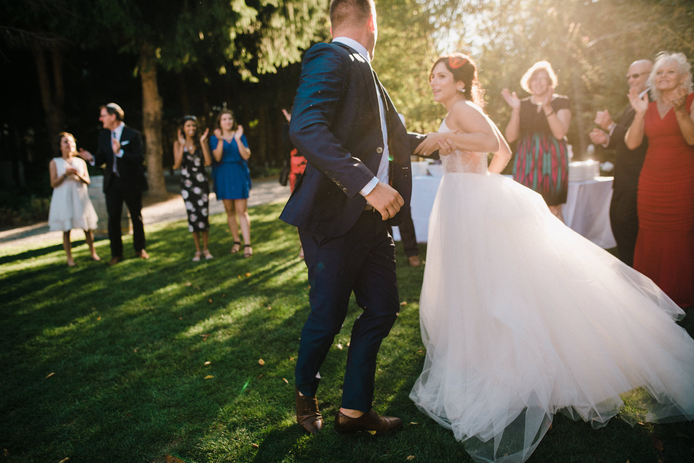 166-woodland-farm-meadow-wedding-by-best-seattle-film-photographer.jpg