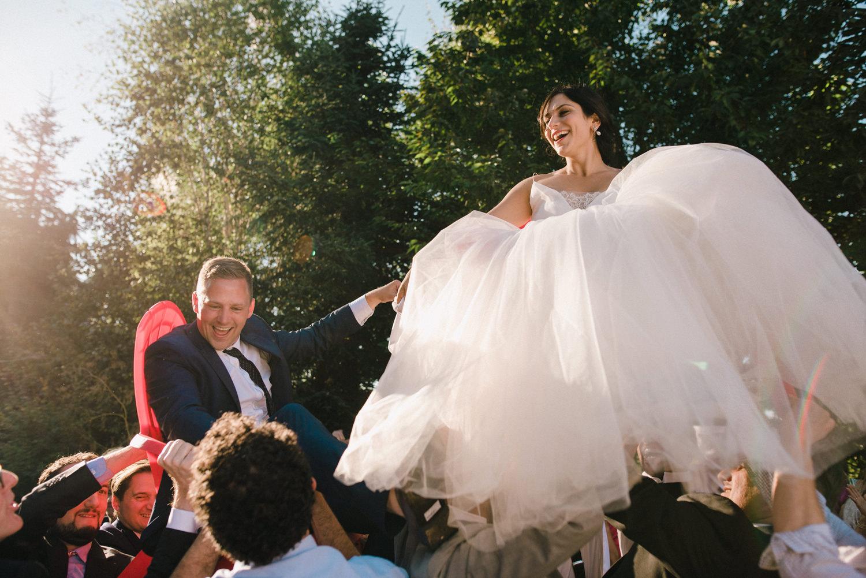 171-woodland-farm-meadow-wedding-by-best-seattle-film-photographer.jpg