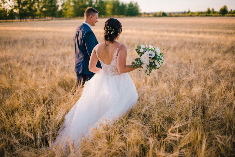 198-woodland-farm-meadow-wedding-by-best-seattle-film-photographer.jpg