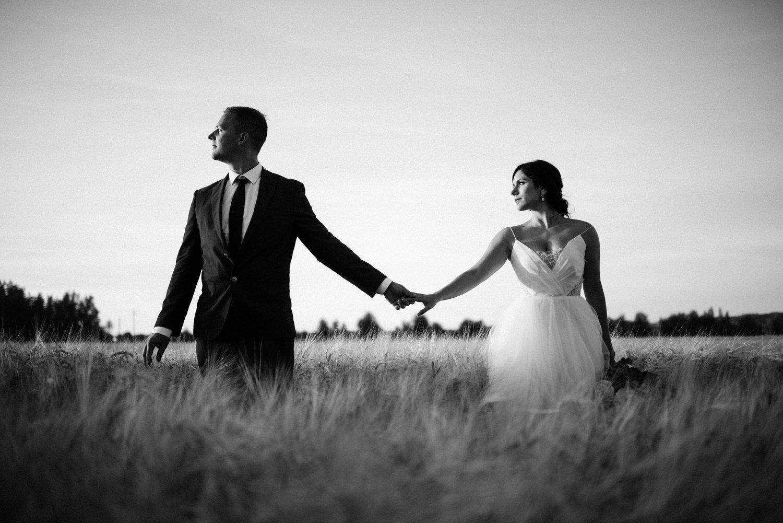 207-woodland-farm-meadow-wedding-by-best-seattle-film-photographer.jpg