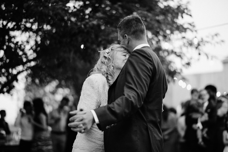 228-woodland-farm-meadow-wedding-by-best-seattle-film-photographer.jpg
