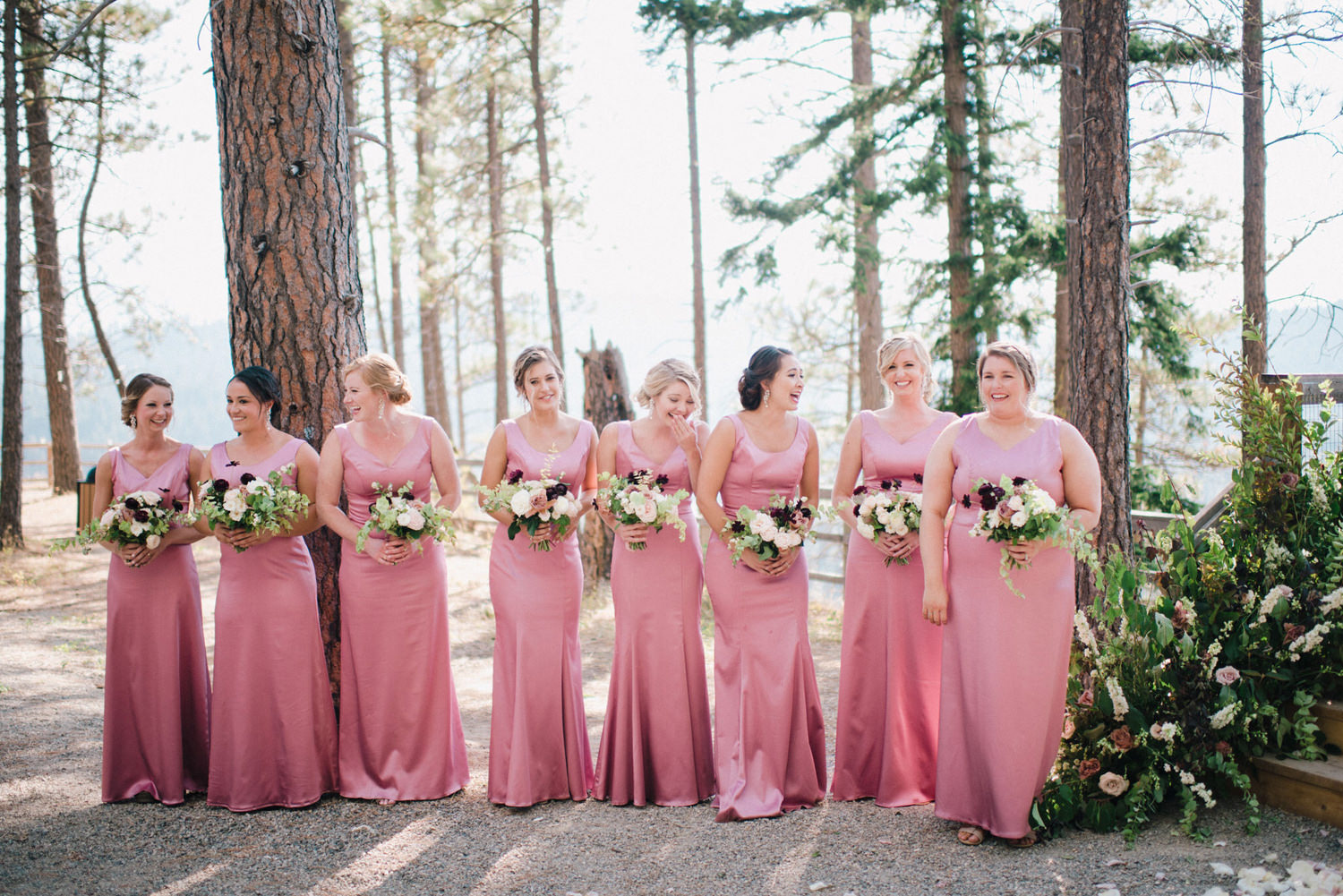 267-bright-coral-wedding-with-sinclair-and-moore-at-suncadia-resort.jpg