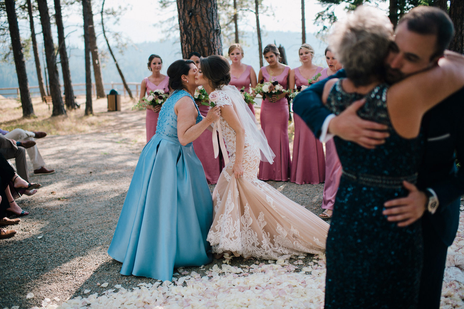 275-bright-coral-wedding-with-sinclair-and-moore-at-suncadia-resort.jpg