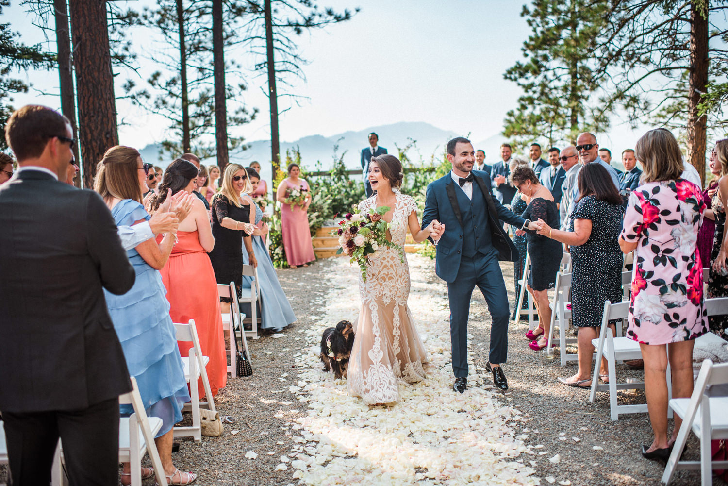 280-bright-coral-wedding-with-sinclair-and-moore-at-suncadia-resort.jpg