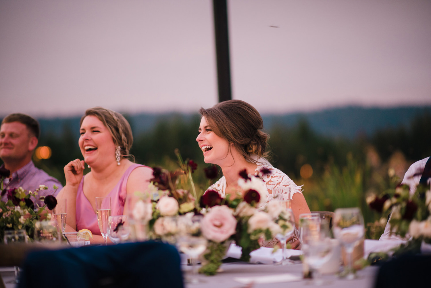 304-bright-coral-wedding-with-sinclair-and-moore-at-suncadia-resort.jpg