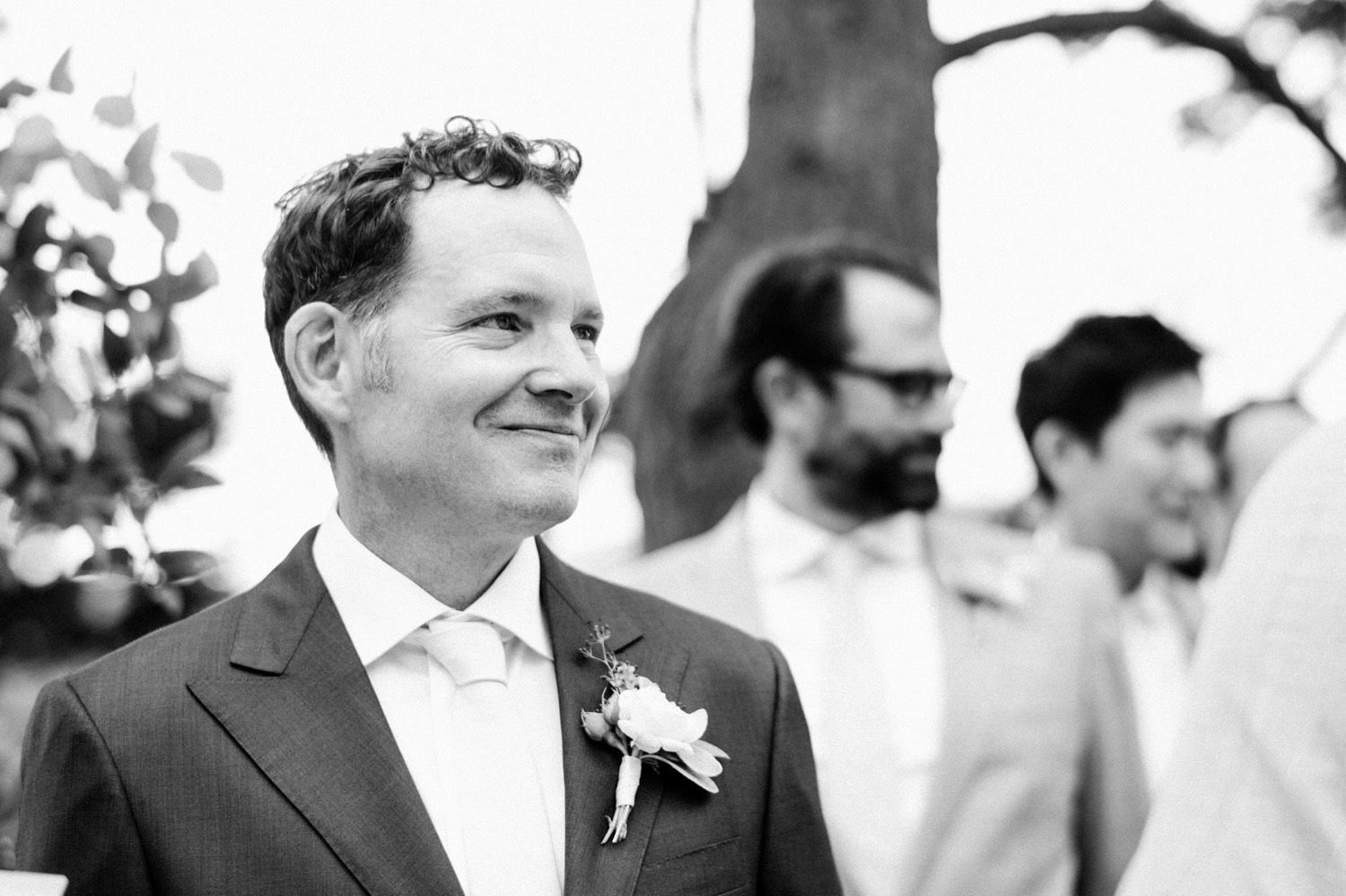 31_033-orcas-island-rosario-resort-wedding-by-best-san-juan-islands-photographer_bride_down_groom_aisle_Watching_Walk.jpg