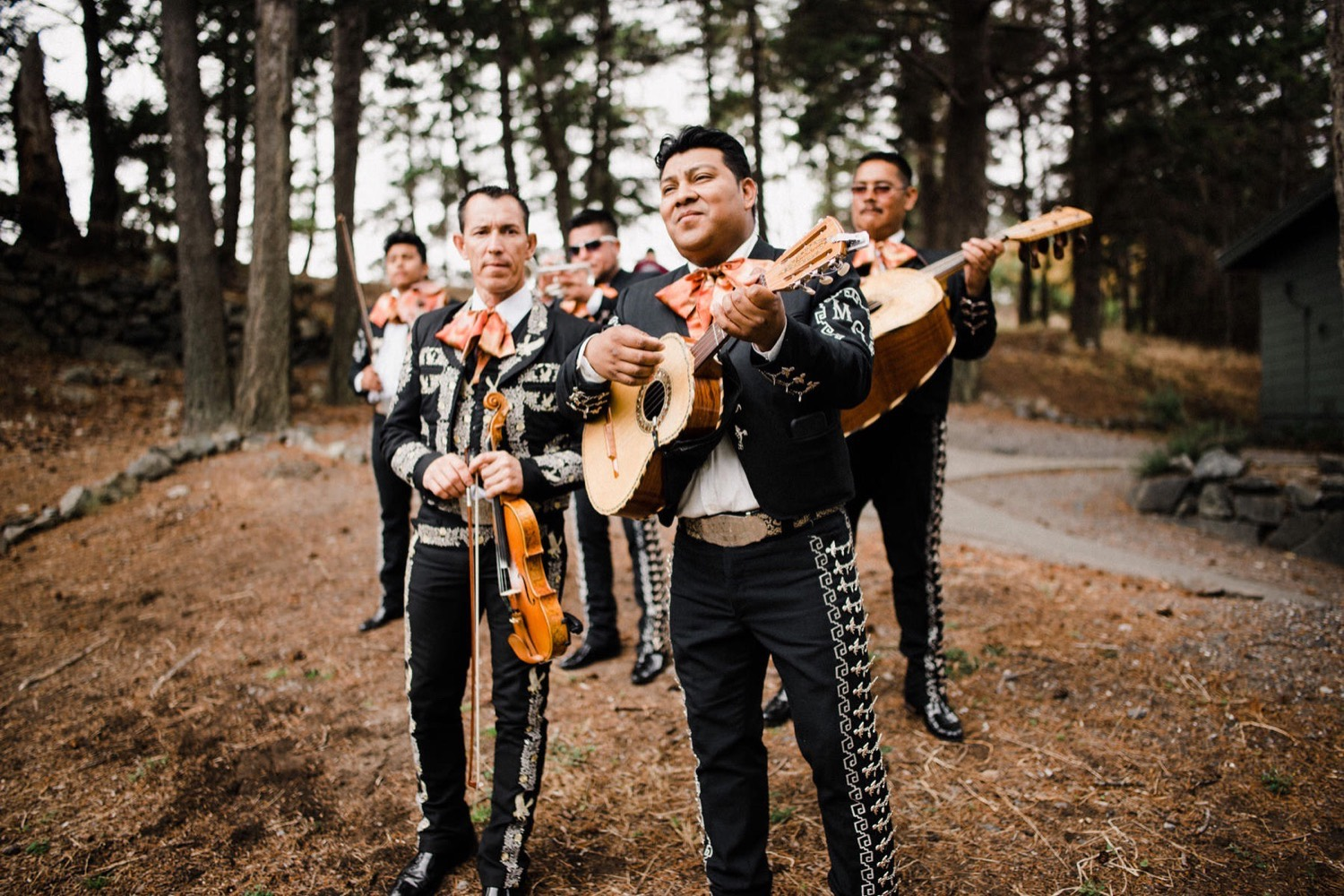 38_040-orcas-island-rosario-resort-wedding-by-best-san-juan-islands-photographer_mariachi_band_parade_Wedding.jpg