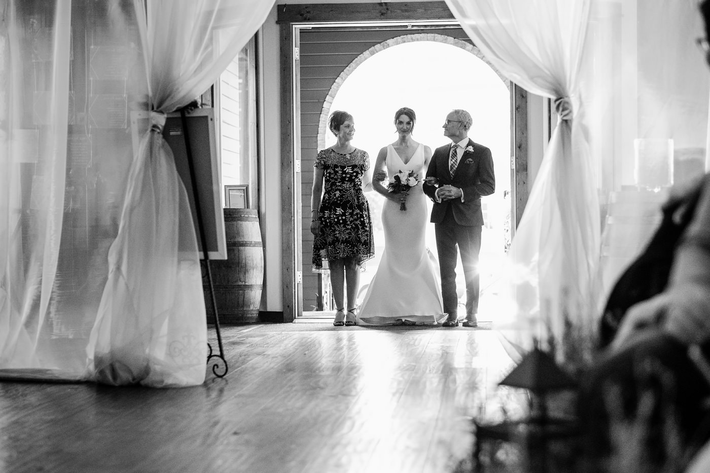 033-documentary--style-indoor-wedding-photos-at-sodo-park-by-herban-feast.jpg