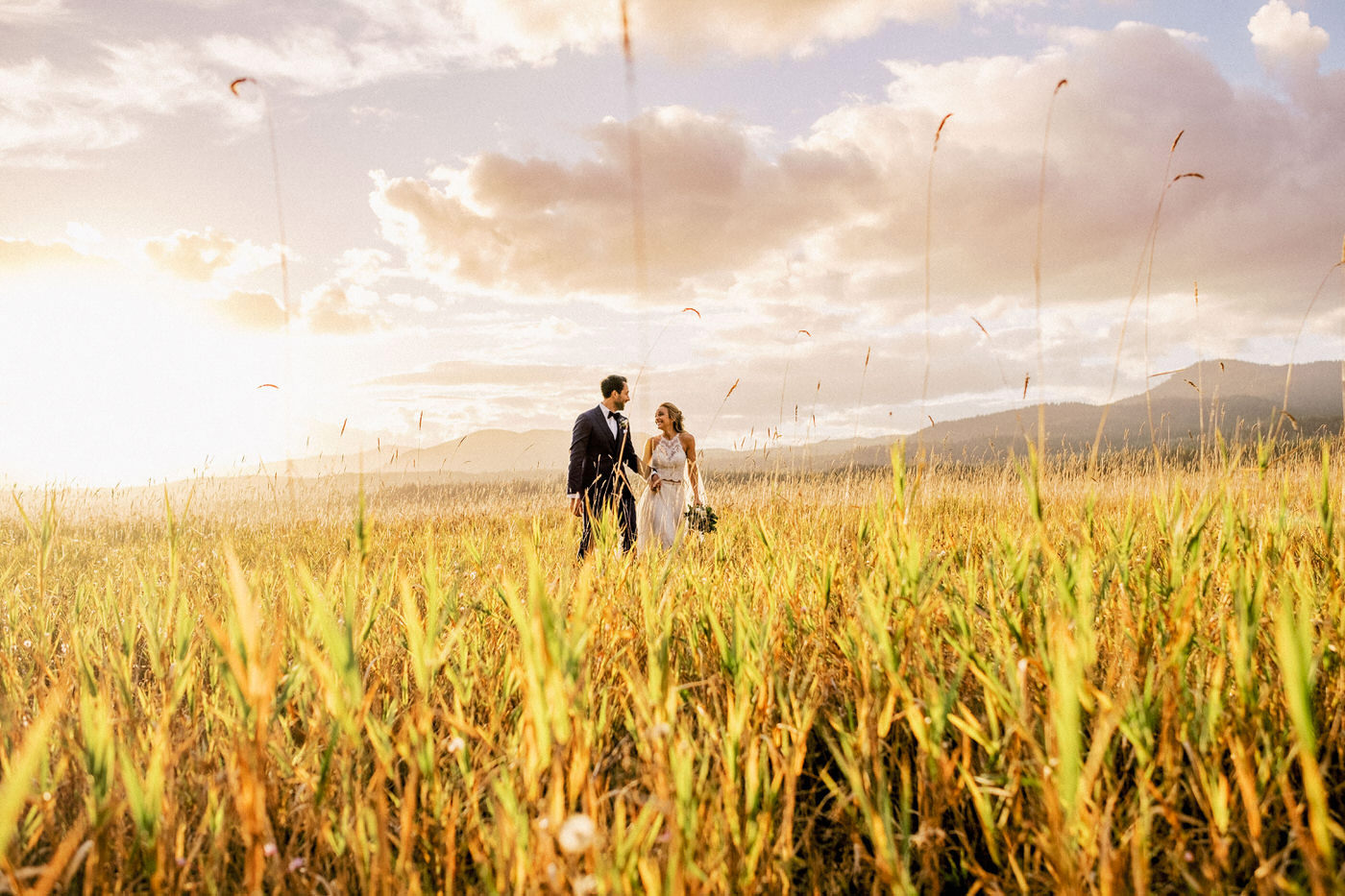 105-priest-lake-hills-resort-wedding-portrait-in-a-field.jpg
