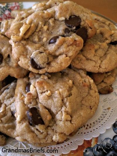 Chocnutty Peanut Butter Cookies 2.jpg