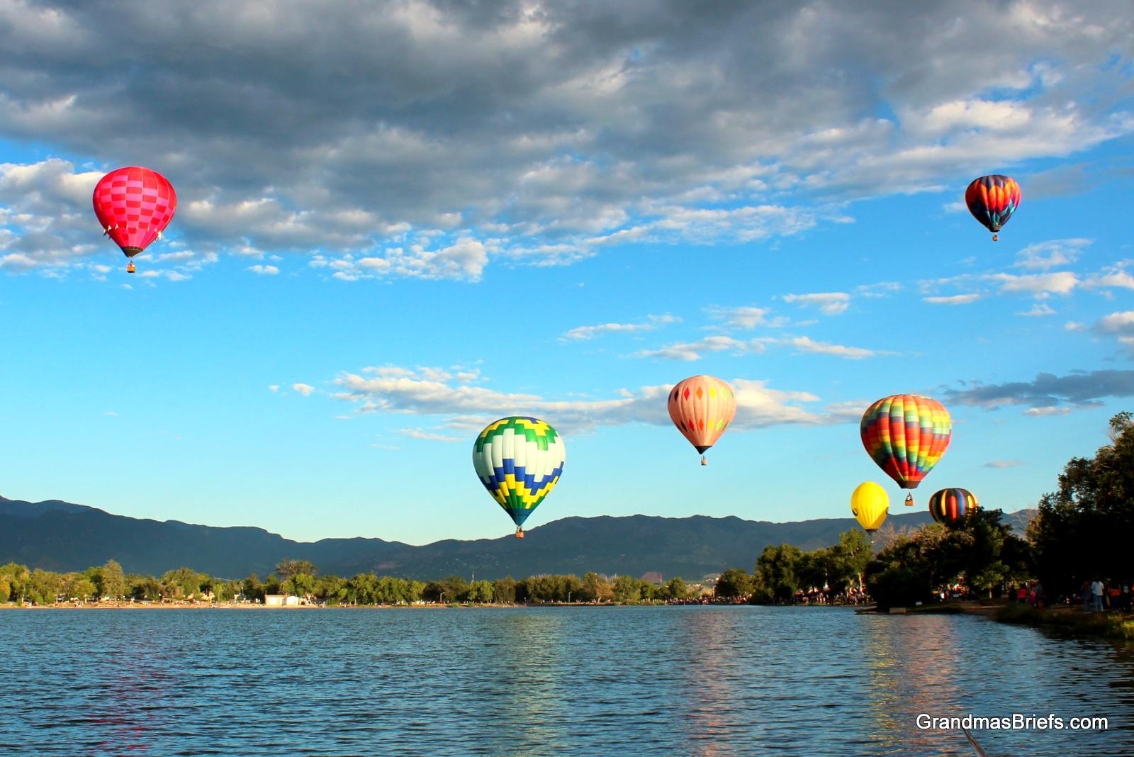 lotsa balloons lake.JPG