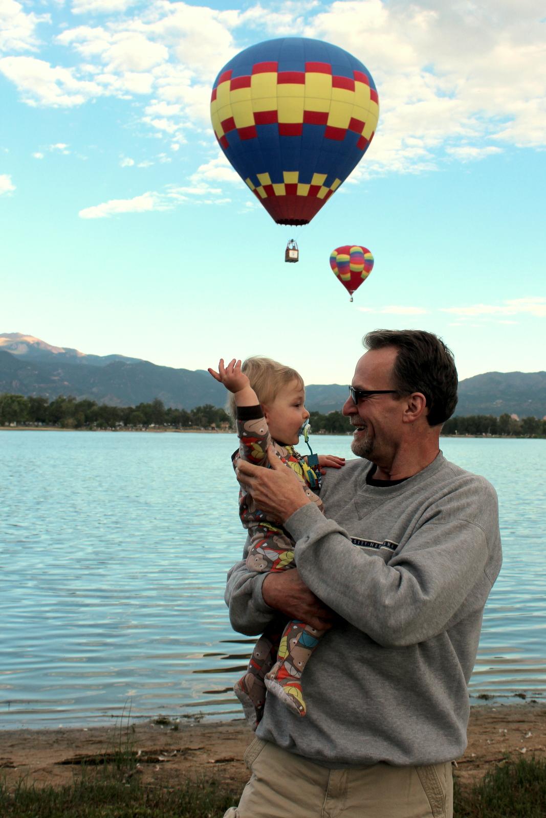 pawdad benjamin balloon 1.JPG