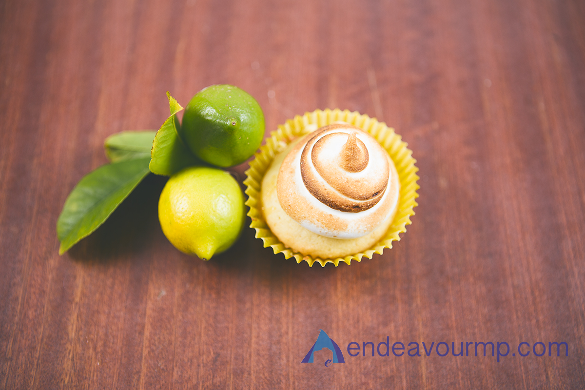 food-cupcakes-lemon 12.jpg