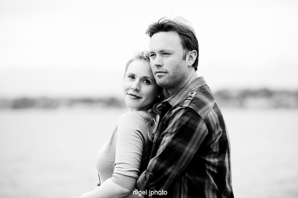 engagement-photography-man-holding-fiance-seattle-lake-stevens.jpg