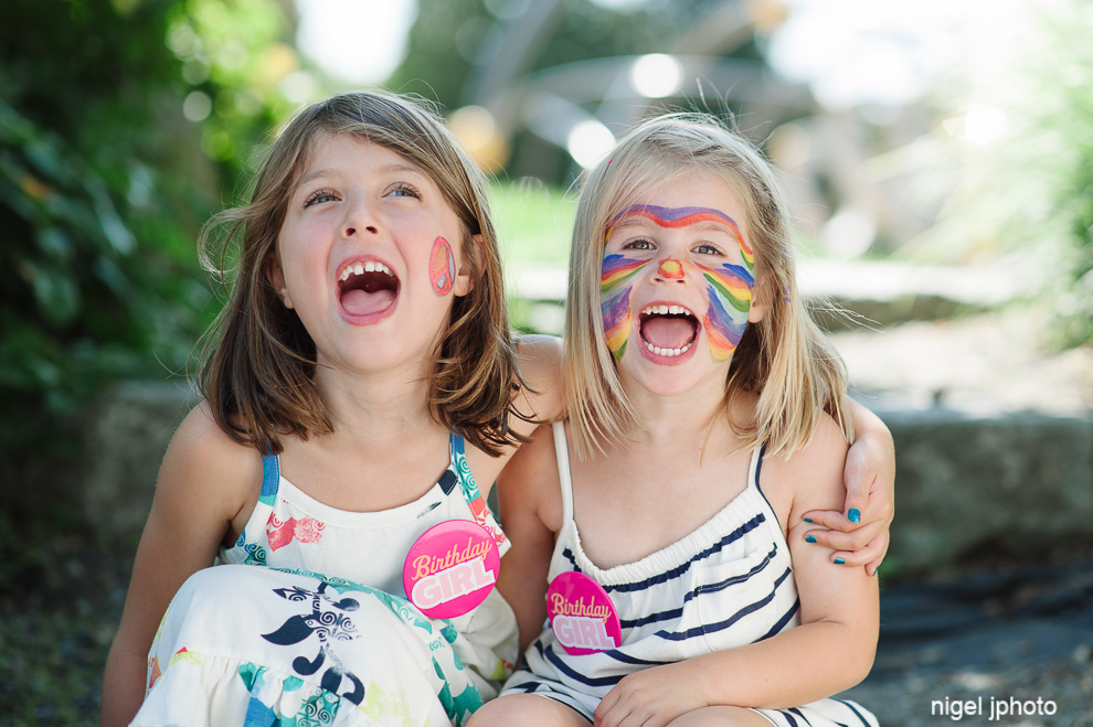 sisters-seattle-family-photography-park-happy.jpg