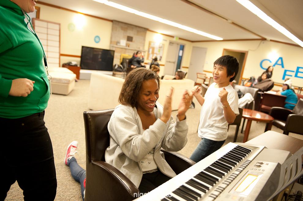 raikes-foundation-seattle-youth-program-8-study-piano.jpg