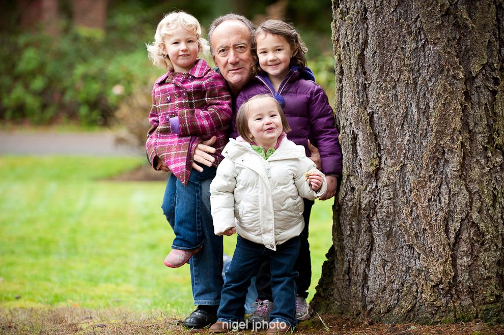 portrait-grandfather-with-grandchildren-outdoors-seattle.jpg