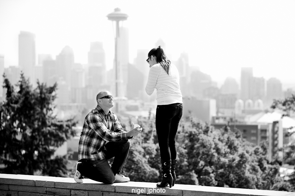 engagement-proposal-kerry-park-seattle-space-needle-down-on-knee.jpg