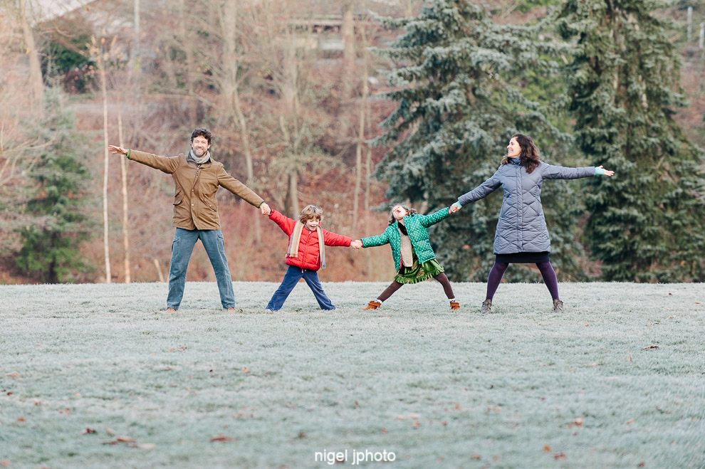 family-of-four-christmas-card-seattle-family-photography.jpg