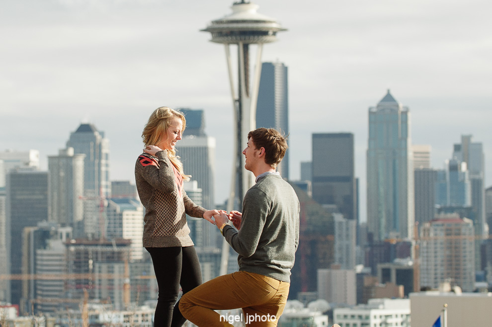 surprise-proposal-one-knee-kerry-park-seattle-eastside-engagement-photography.jpg