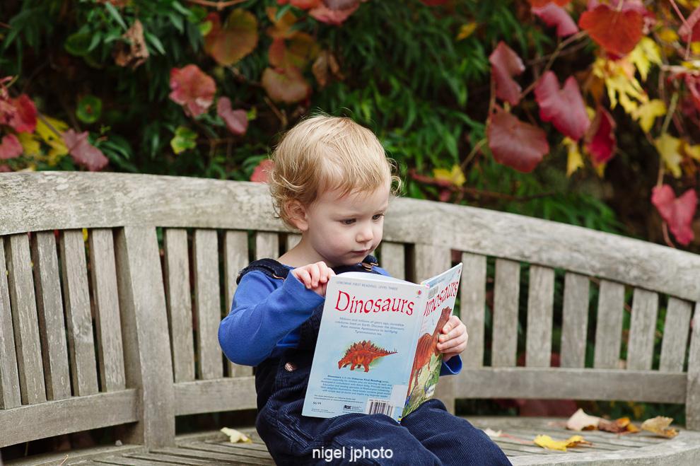 little-girl-reading-book-seattle-eastide-photography.jpg