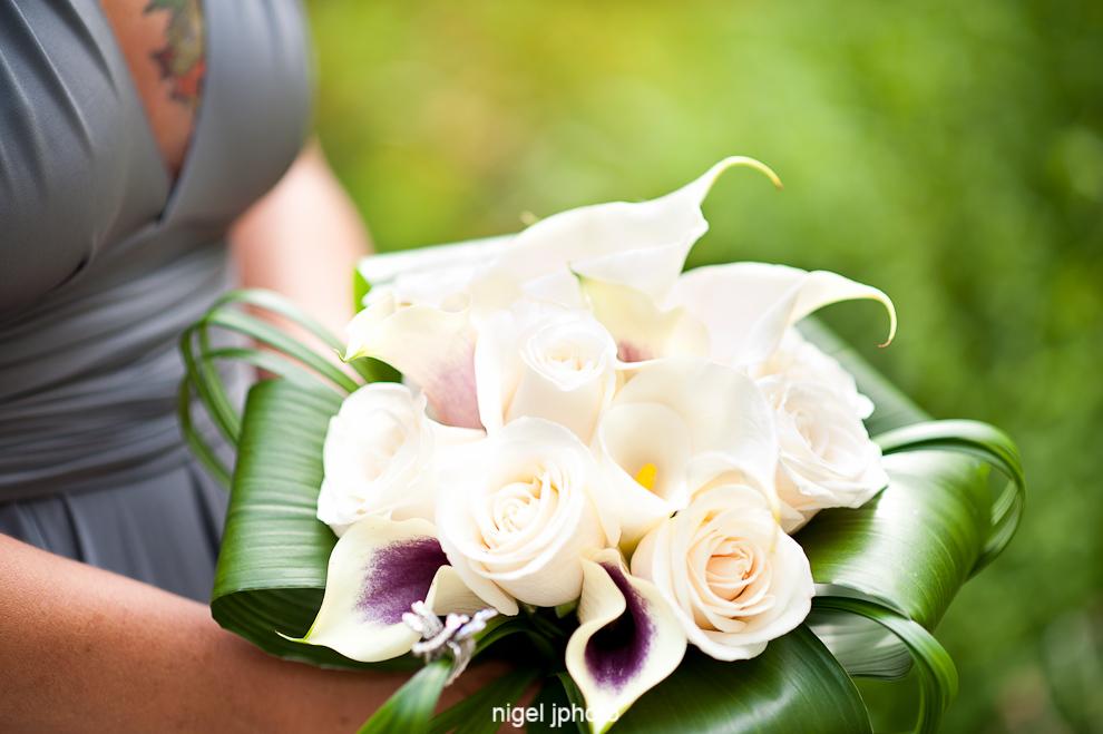 wedding-bouquet-in-brides-hands.jpg