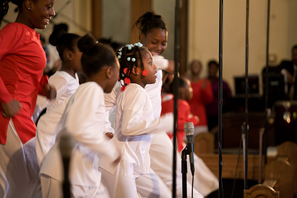 greater-exodus-baptist-congregation-children-singing-americas-four-gods.jpg