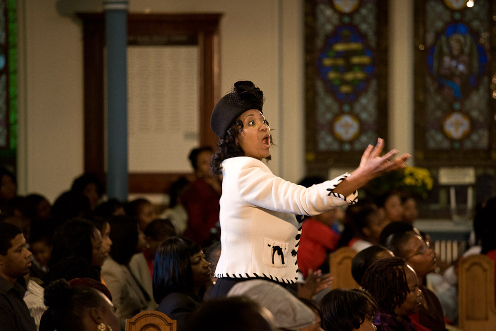 greater-exodus-baptist-congregation-choir-leader-americas-four-gods.jpg