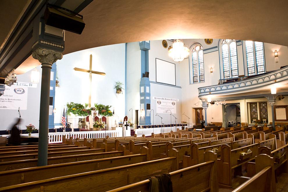 greater-exodus-baptist-church-interior-americas-four-gods.jpg