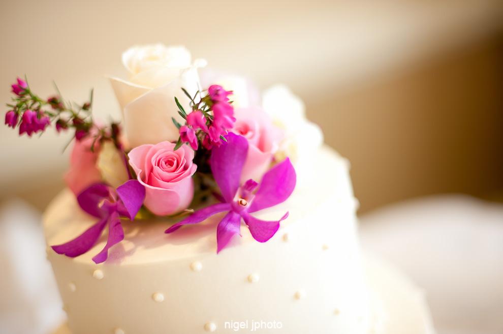 wedding-cake-seattle-orchids-pink-roses.jpg