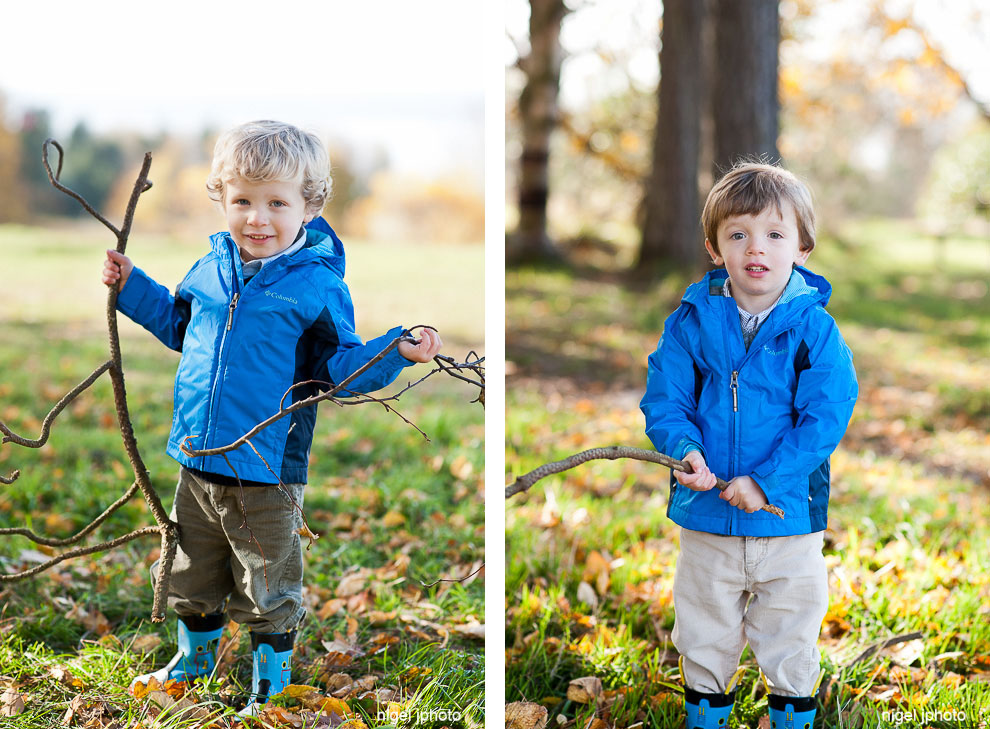 young-twin-boys-playing-in-forest-seattle-eastside-family-photos.jpg