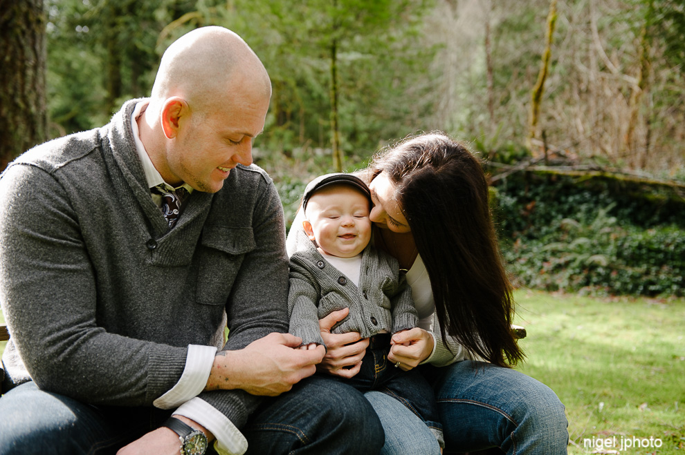 young-parents-6-month-old-baby-seattle-eastside-family-photography.jpg