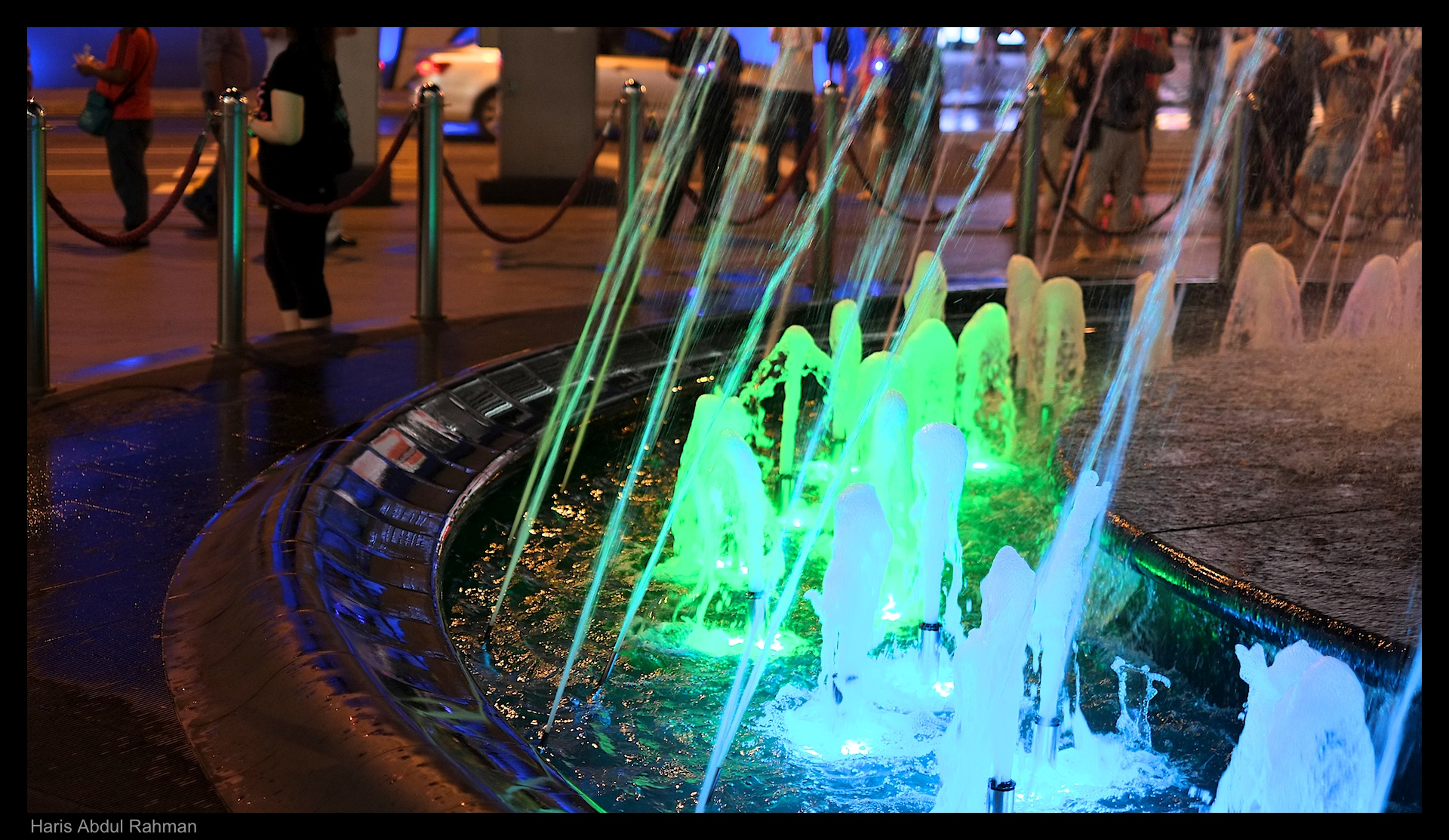 The famous fountain at night
