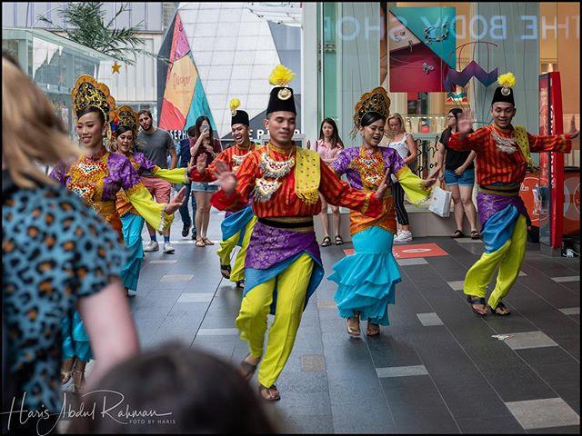 Dance  #aidilfitri2019 #streetphotography #kualalumpur #dancing #joget #fujifilm #gfx50r #gf3264mmf4