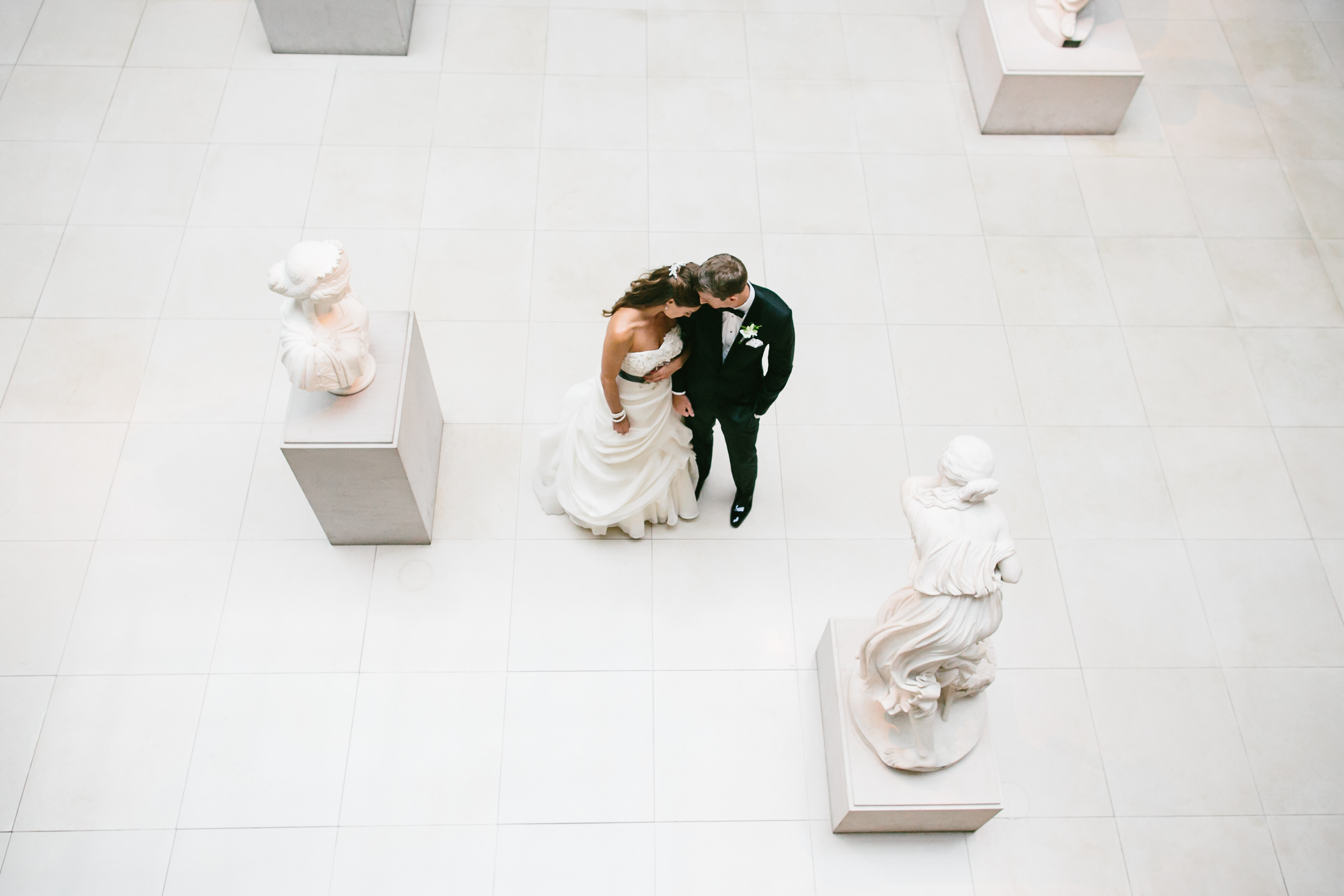 The Art Institute of Chicago Modern Wing Wedding Photos