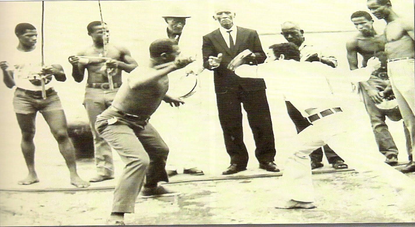 Old_school_capoeira_cais.jpg