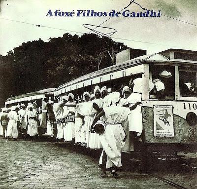 Afoxe+Filhos+de+Gandhi+-+Década+de+80.jpg